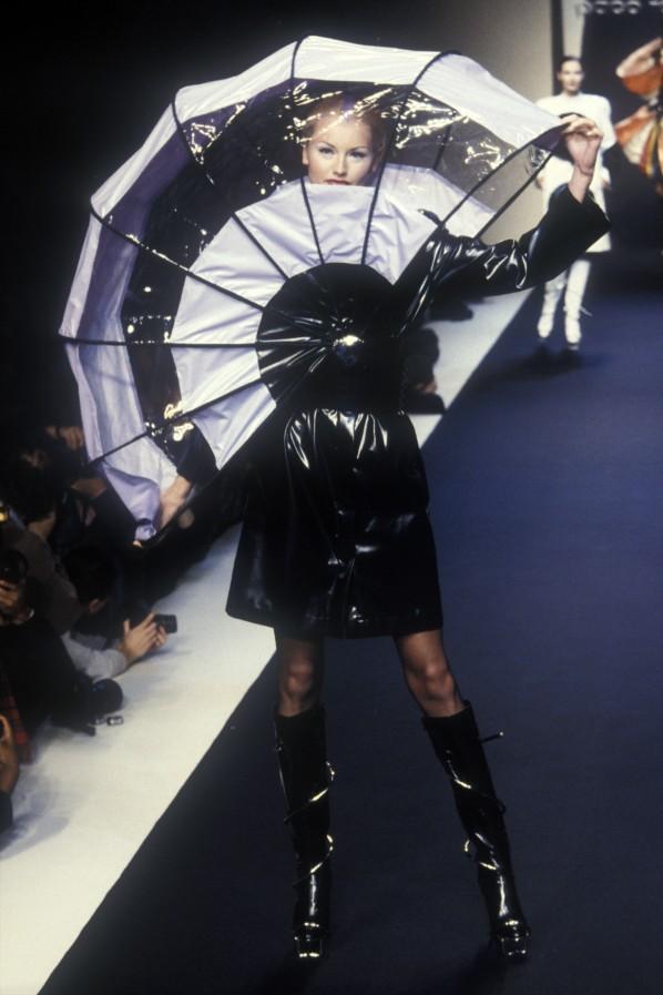 Paco rabanne 1996 работа для девушек екатеринбург с ежедневной оплатой